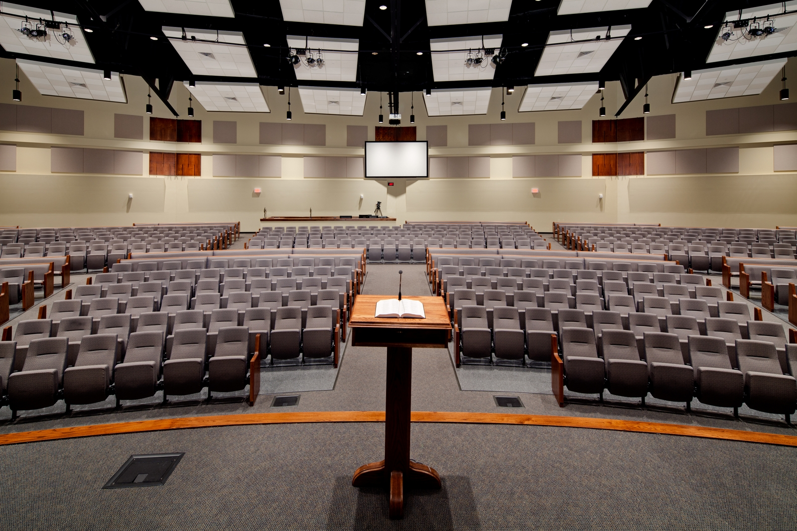 this worship center of 900 seats on a sloped floor has been designed with a REMOVABLE back wall to easily expand to 1,800 withamphitheater seating forCalvary baptist church of Bethlehem (easton), PA. Both phases were designed with excellent sight lines and ACOUSTICS.