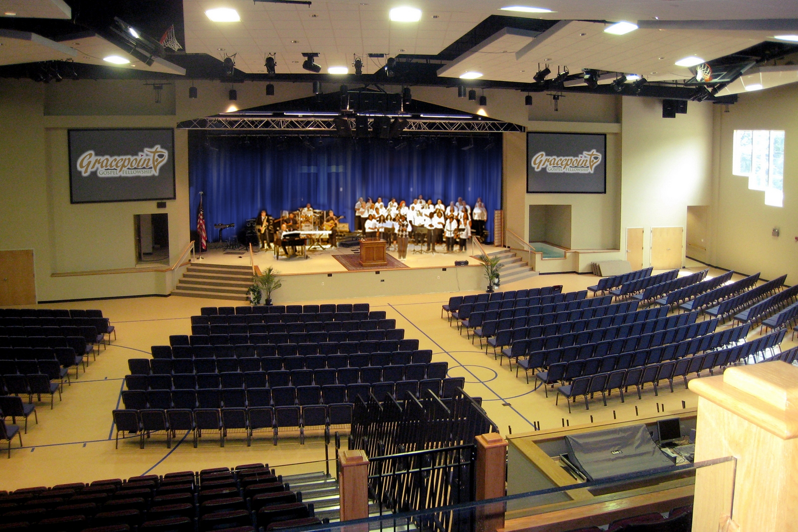 gracepoint gospel fellowship, new city, ny / 1,100 seats