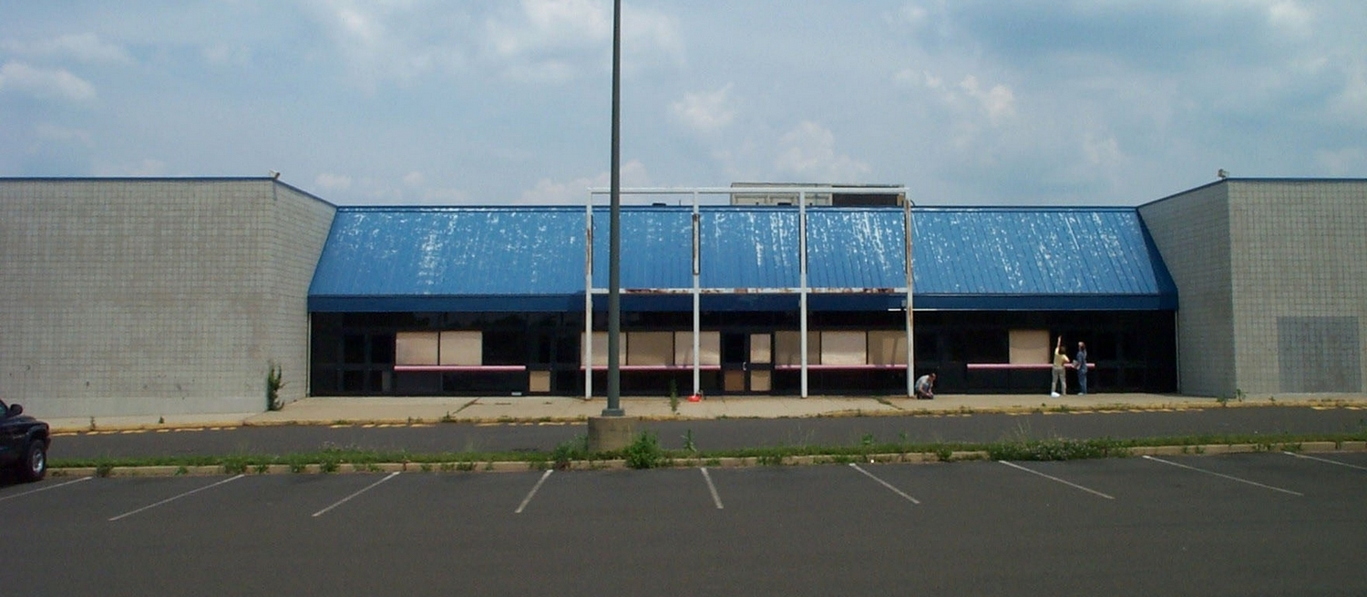 this vacant, dilapidated multiplex cinema at the largest mall in Pennsylvaniagavebethel - the church at franklin mills (phila., pa) a great place to grow and expand incrementally.