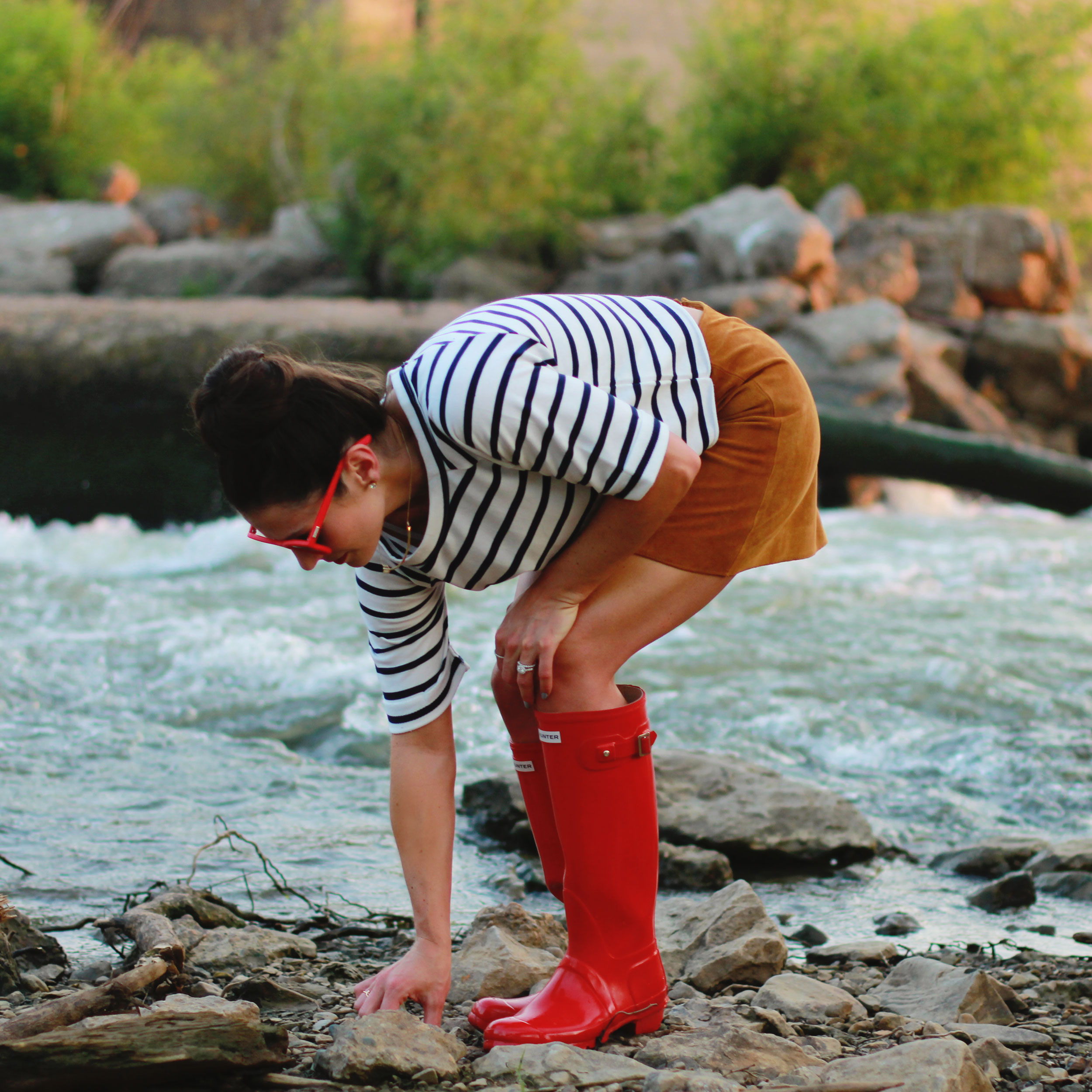 Fashion Adventures at the Falls of The Ohio: MINKPINK Cropped Sweatshirt, Suede Mini Skirt, Red HUNTER Boots, Fall Style