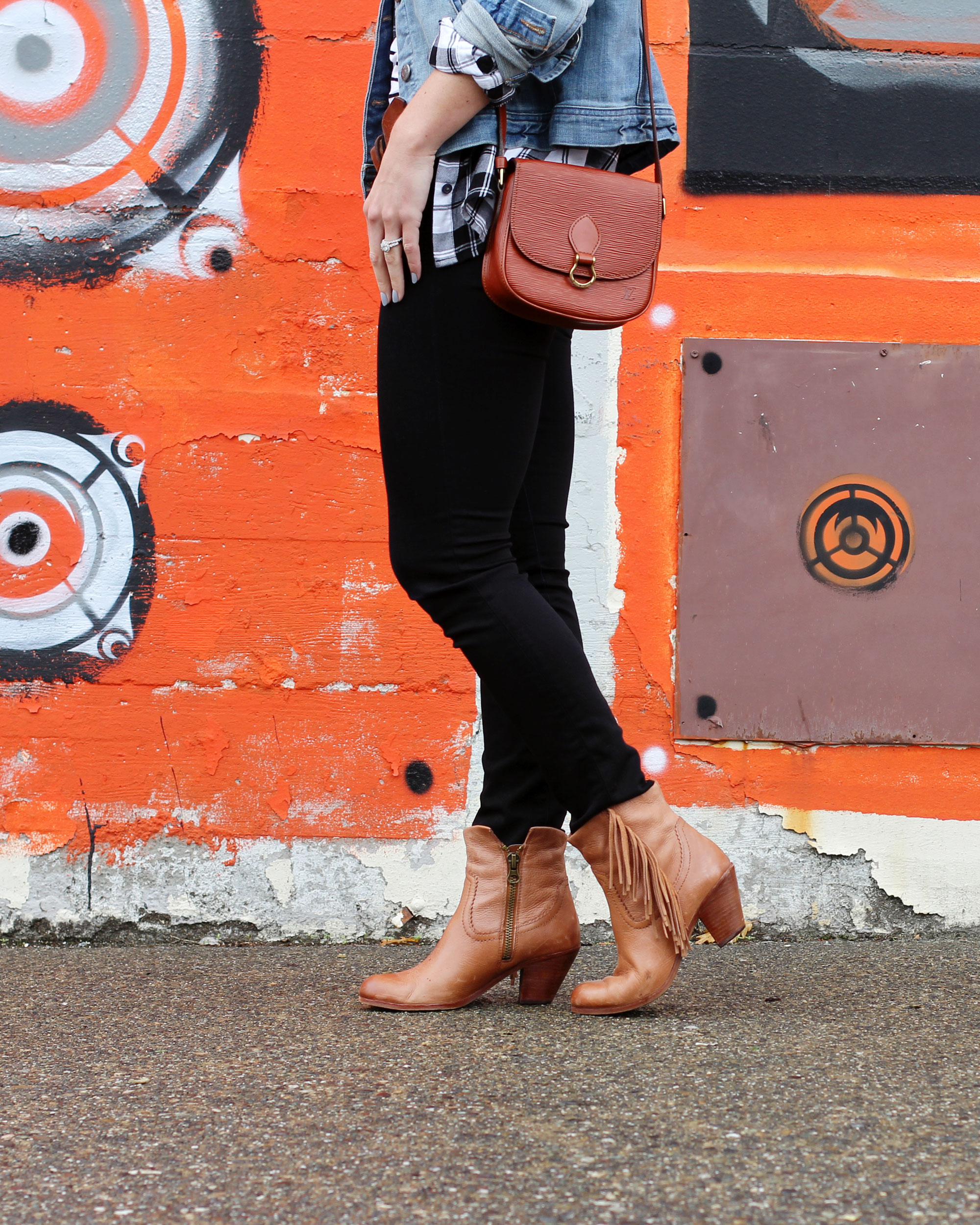 Casual Fall Fashion, Travel Style, J.Crew Denim Jacket, J Brand Skinny Jeans, Sam Edelman Fringe Booties, Vinage Louis Vuitton Cross Body Handbag
