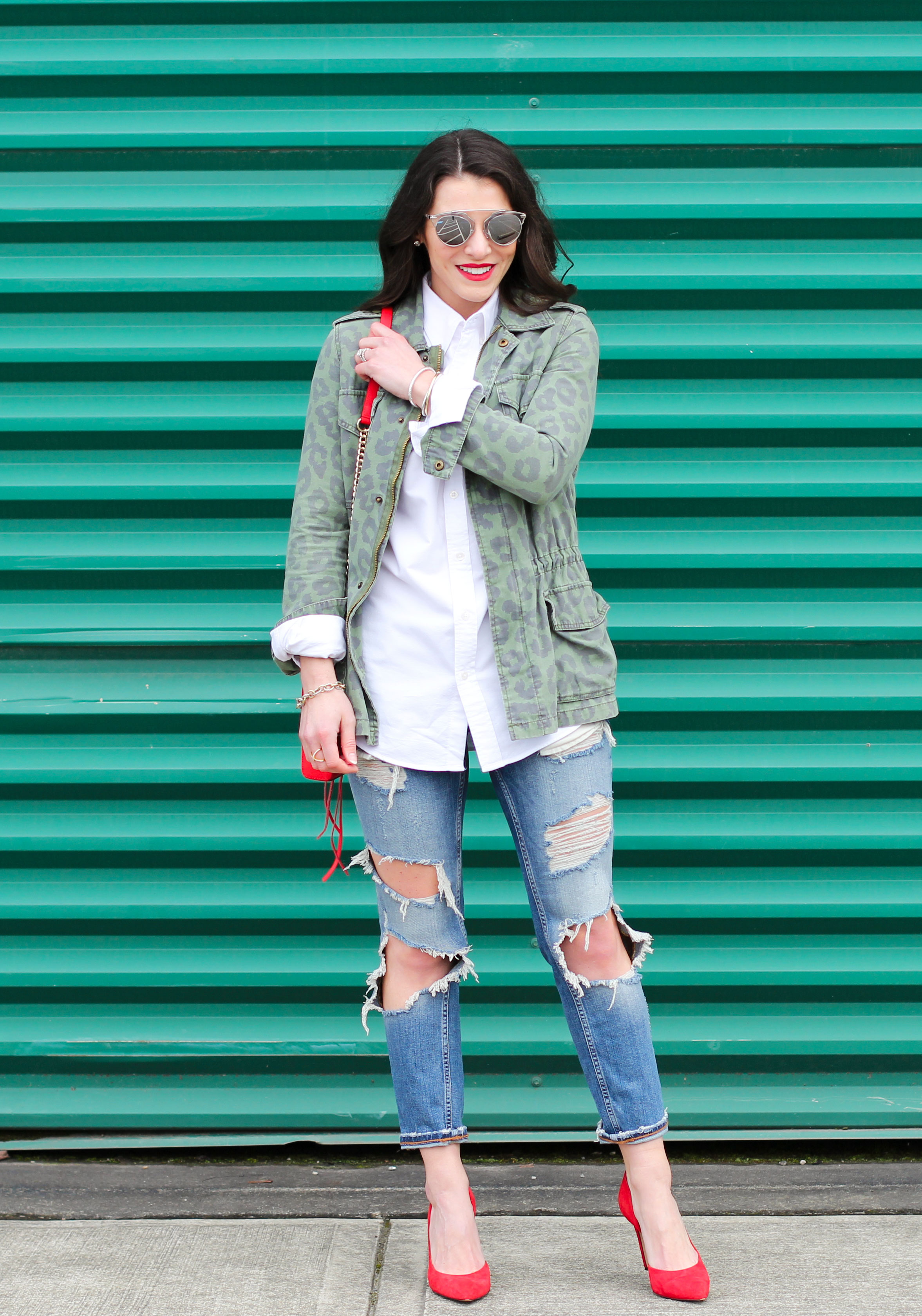 Boyfriend Shirt Outfit, Destroyed Jeans, Red Pumps, Rebecca Minkoff Red Avery Crossbody Bag, Dior Replica Sunglasses, Weekend Style