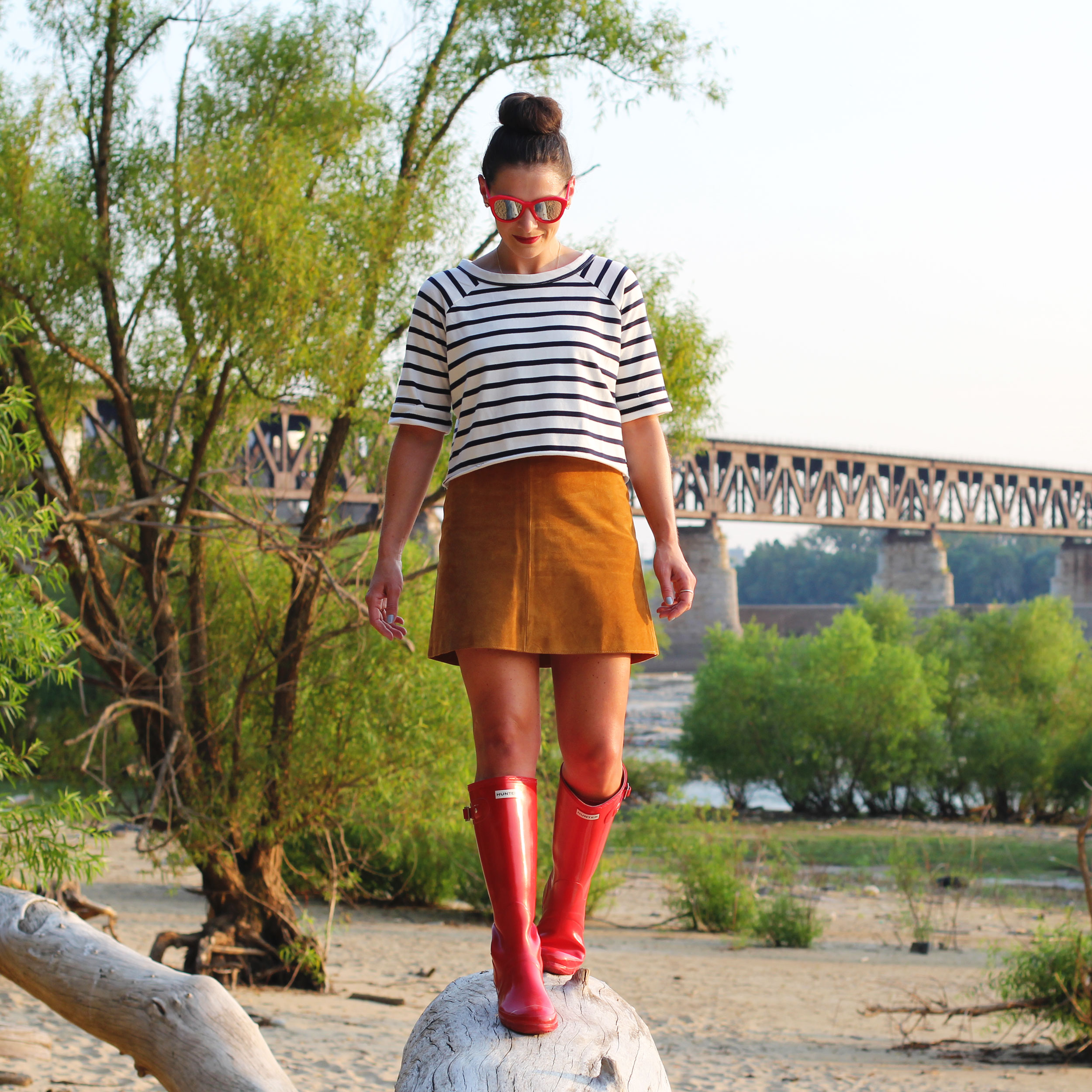 Spring Fashion, Suede Skirt, Stripe Crop Tee, Red Sunglasses, Red Hunter Boots
