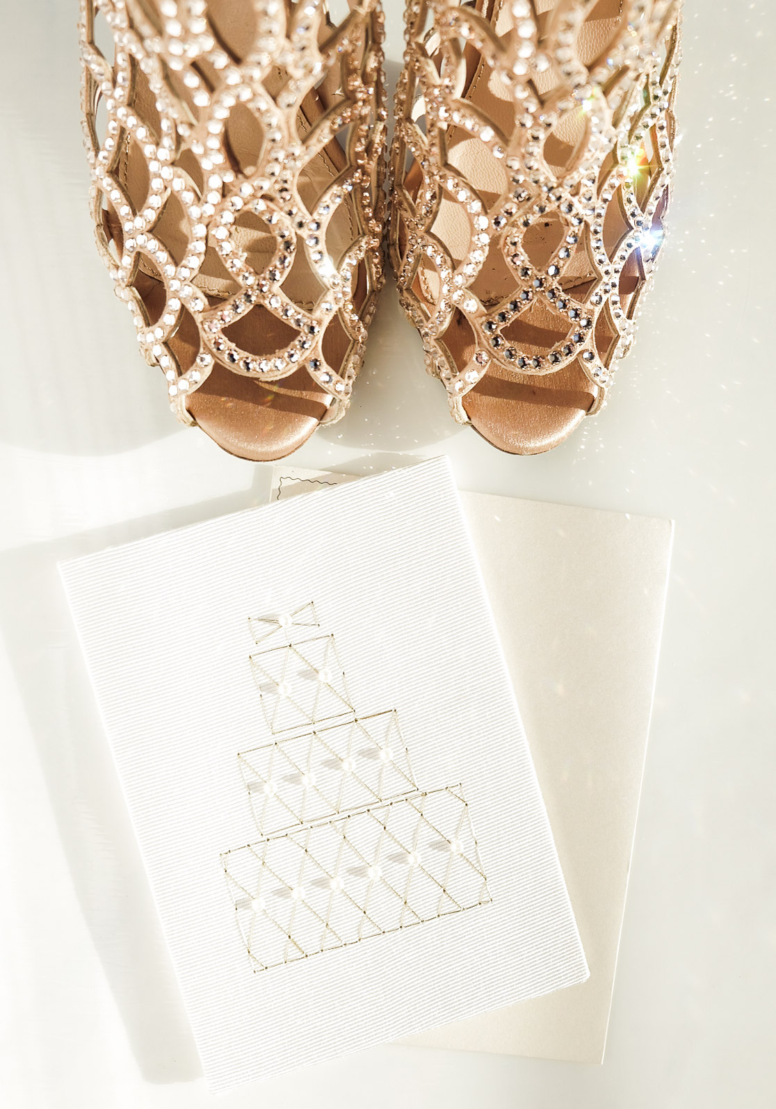 The best stationery for any wedding on www.me-and-mrjones.com!