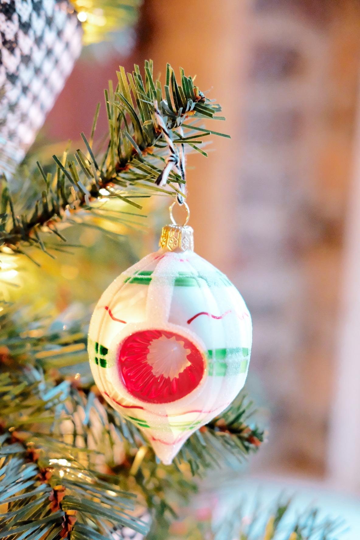 Plaid Christmas ornaments, Small Christmas Tree decorations, Dog Proof Christmas Tree, Christmas Tree on Vintage Suitcases, Fake Christmas Tree DIY Skirt, Vintage Ornaments, Christopher Radko Shiny Brite Ornaments.