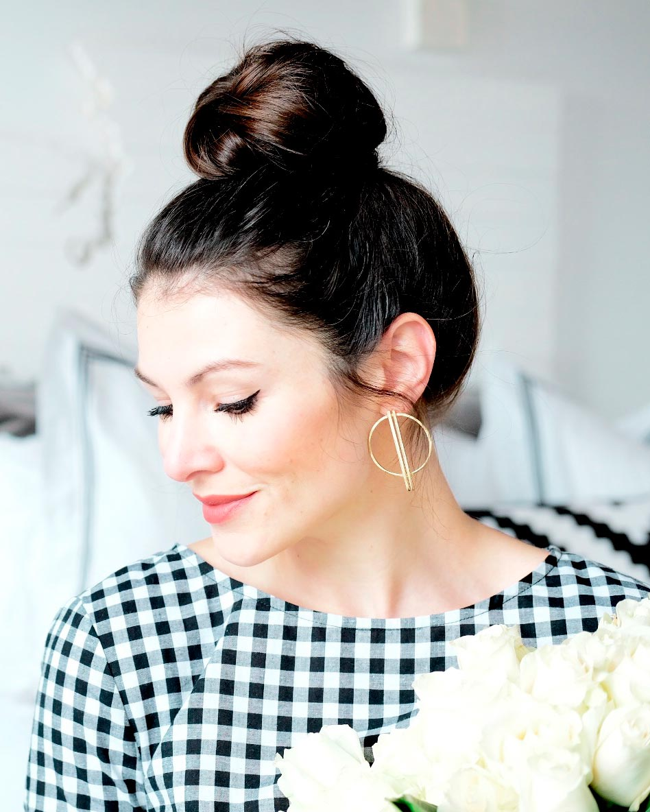 Easy topknot tutorial, messy bun how to, topknot tutorial for long hair, topknot that wont fall down, easy topknot how-to.