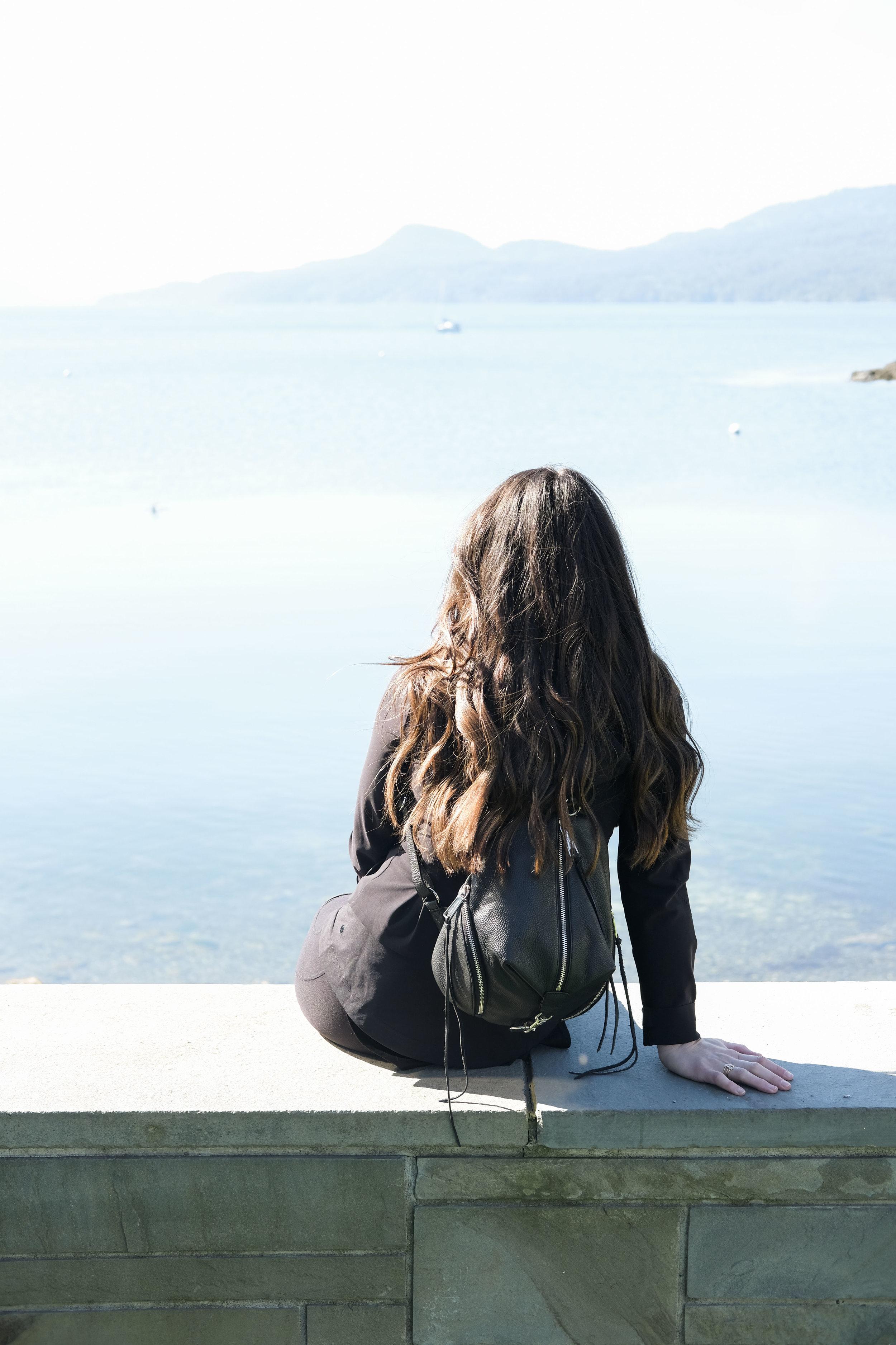 san juan islands washington_orcas island travel guide_what to do where to stay in san juan islands washington_rebecca minkoff medium julian backpack_lululemon jacket_alo yoga moto pants_01.jpg