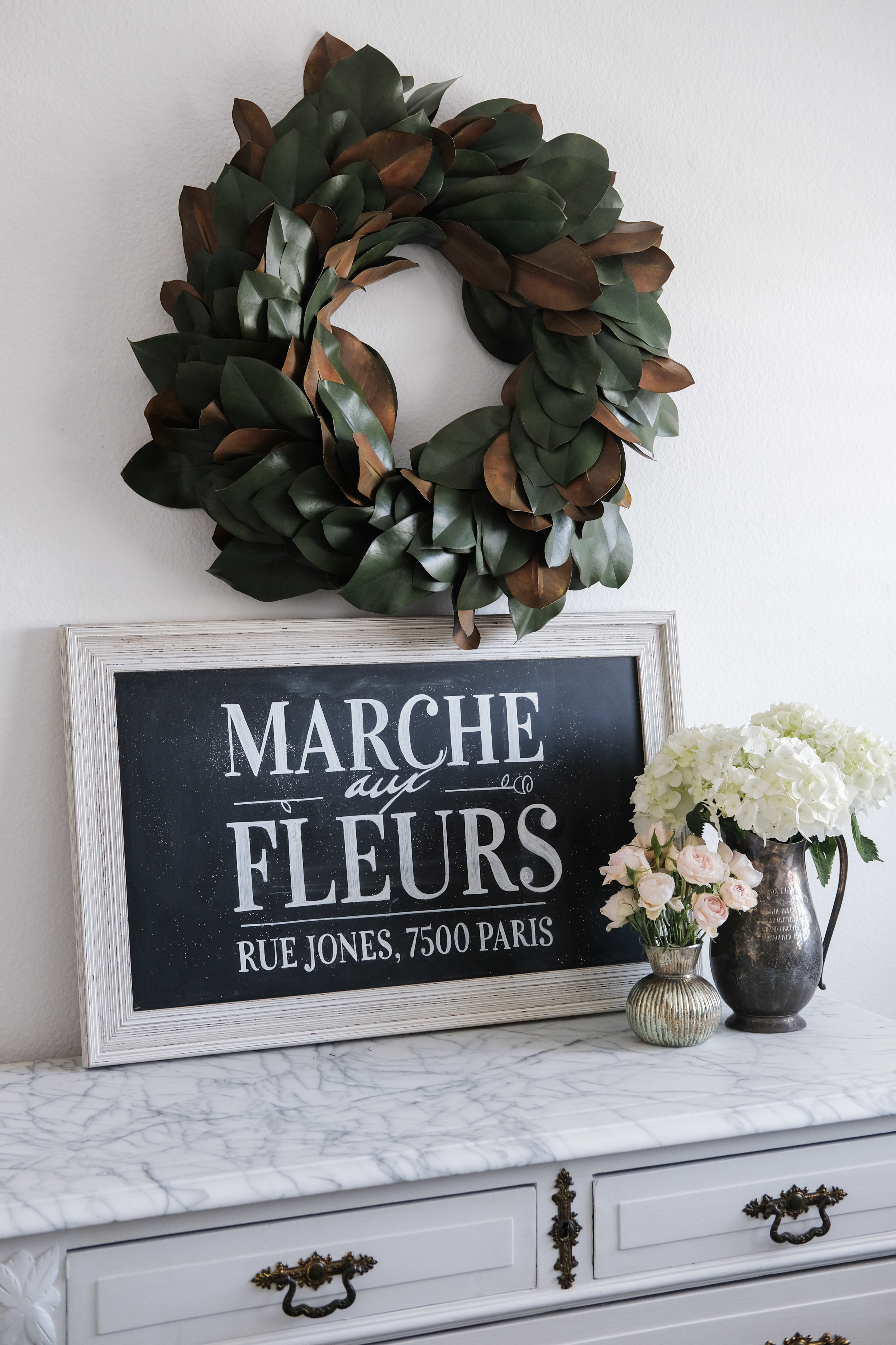 DIY chalkboard sign with perfect lettering.  How to create a chalkboard sign without a stencil.  Secret to perfectly lettered chalkboard signs.