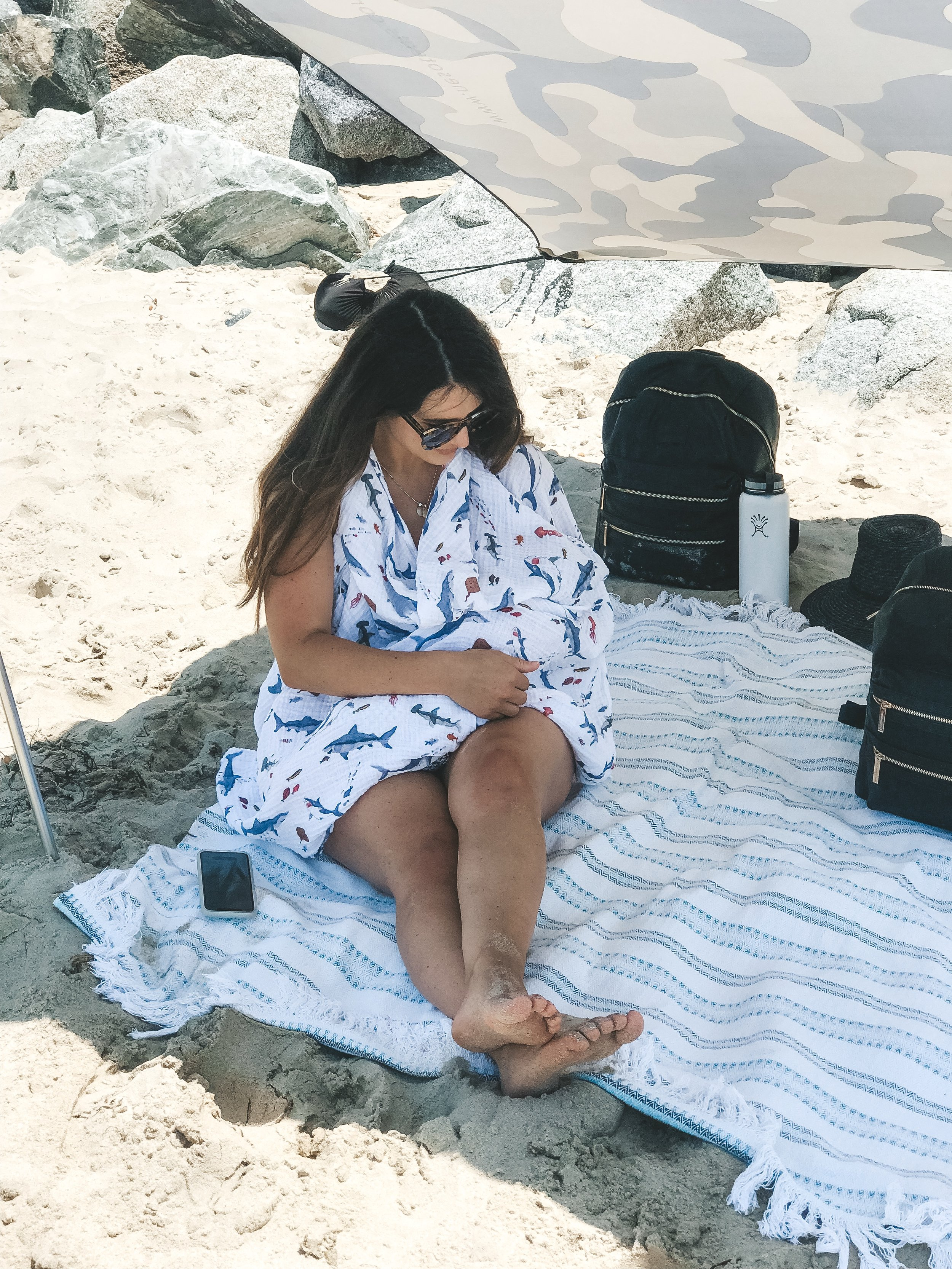 Tips for taking newborn baby to the beach.