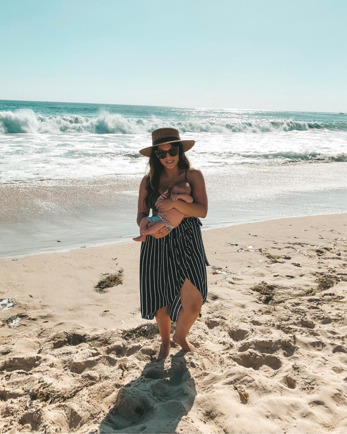 Tips to take your newborn baby to the beach.