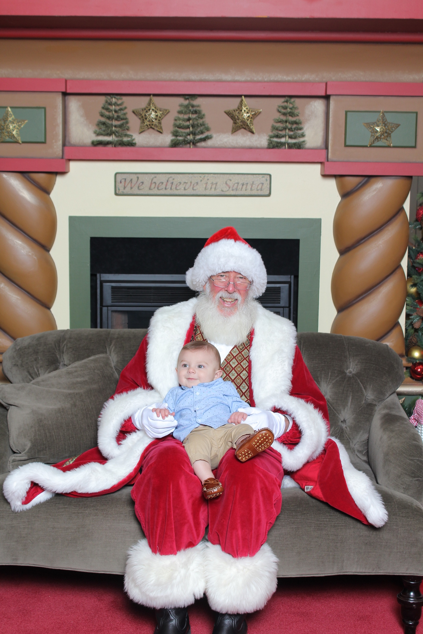 Tips for taking a newborn to see Santa
