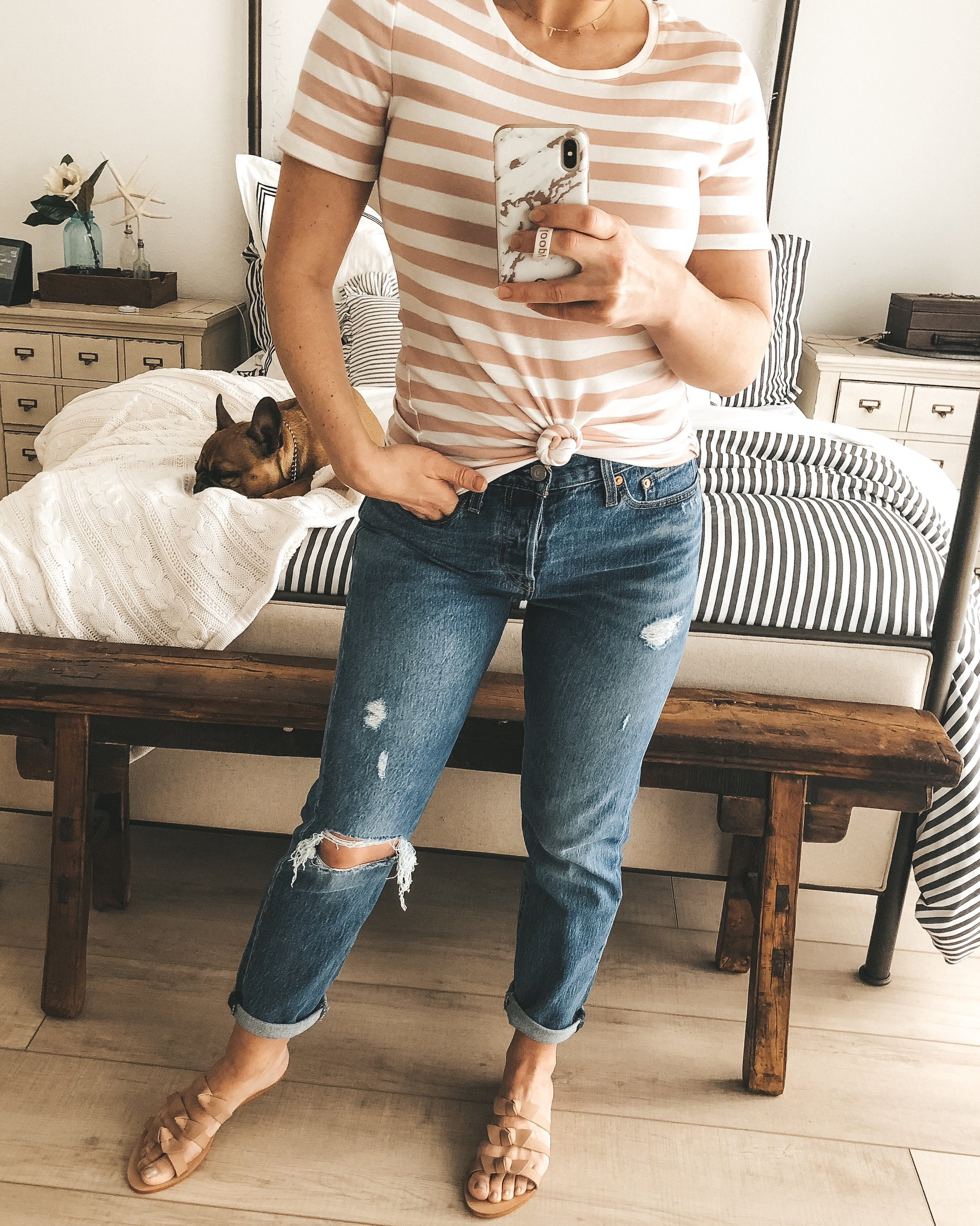 Affordable pieces for spring from Target.  Cute mom jeans that are COMFORTABLE!