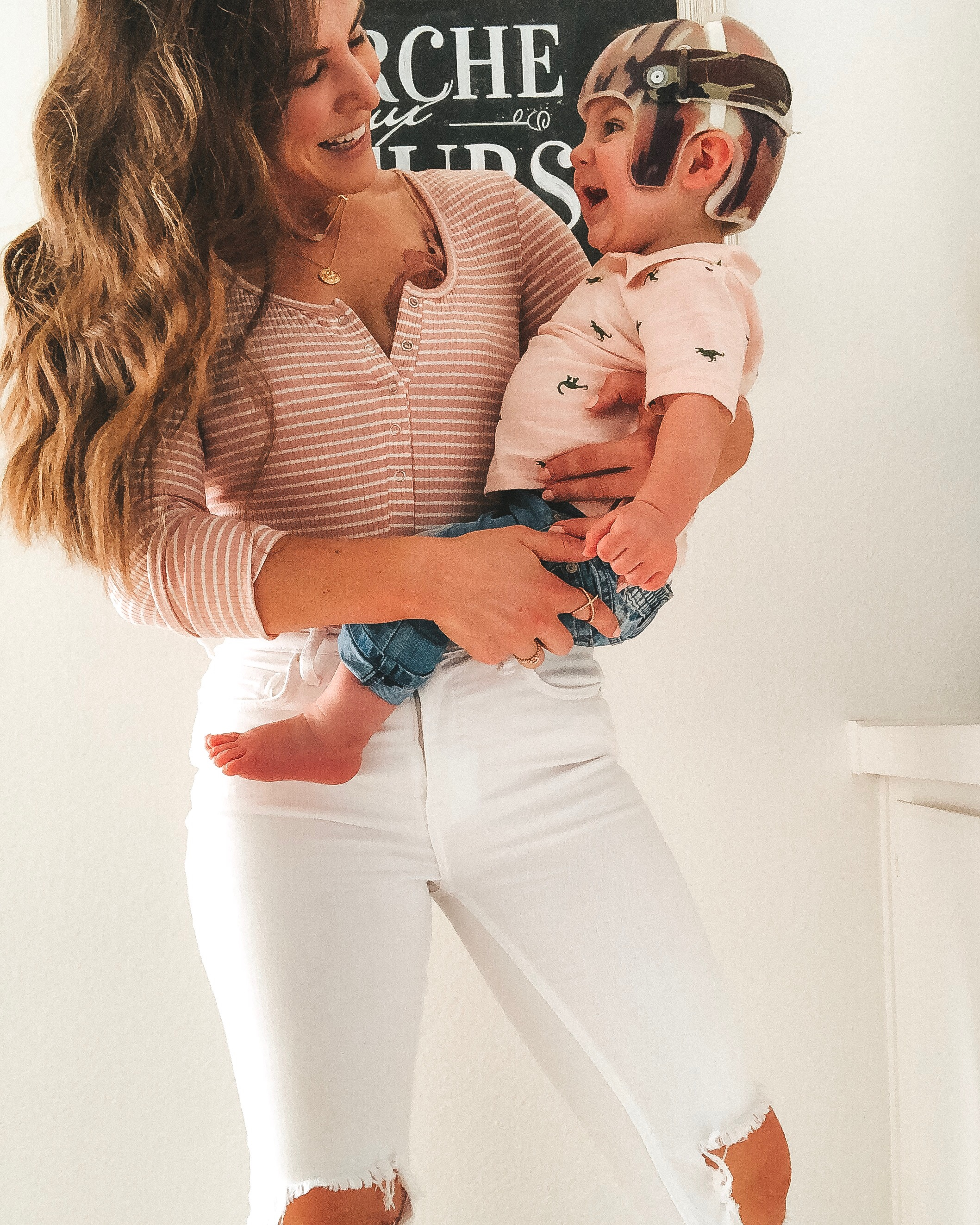 Amazon fashion finds for summer.  10 under $35 amazon women's clothing pieces.  Blush bodysuit with buttons.
