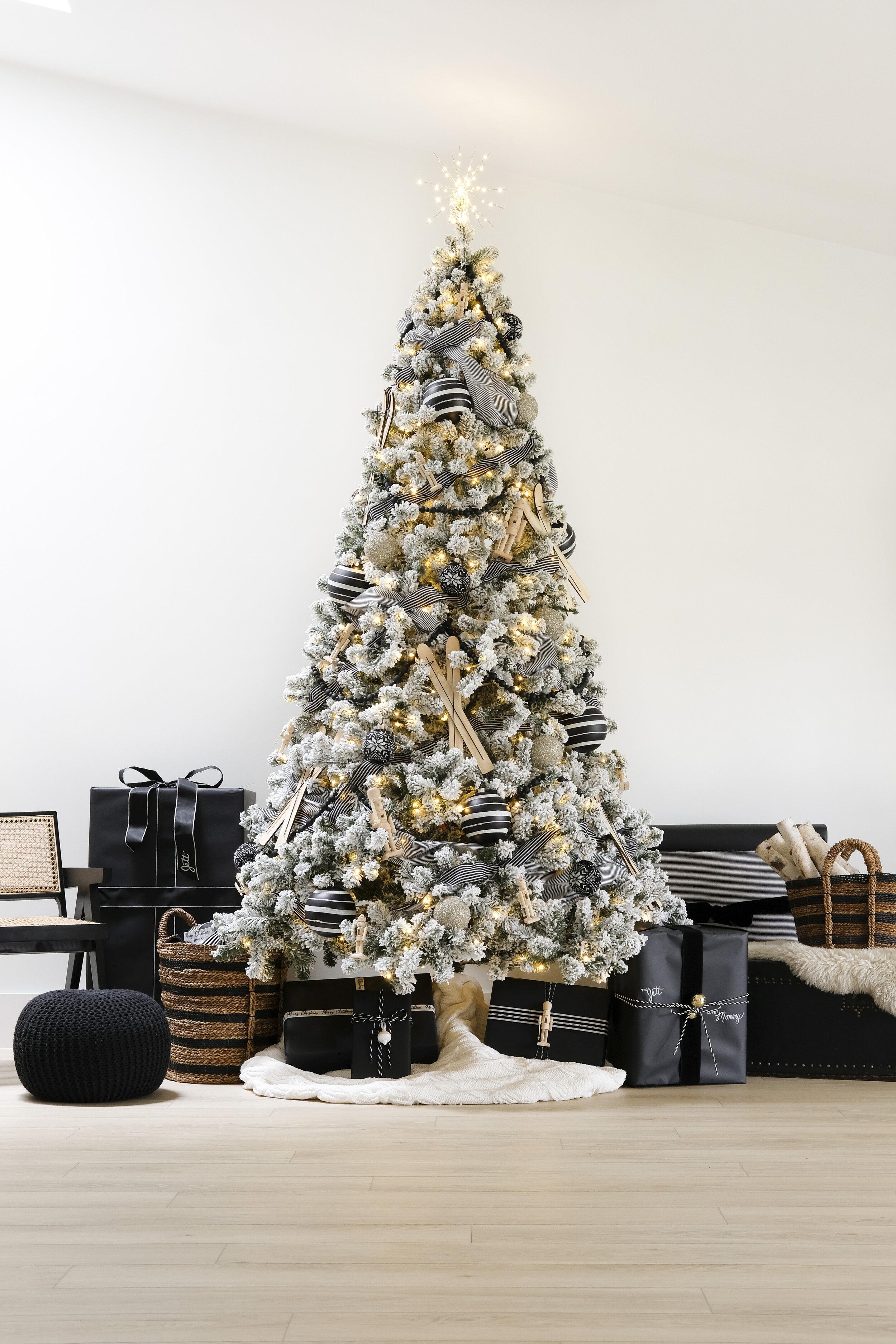 Christmas Decor 2020 Our Black White Christmas Tree Me And Mr Jones