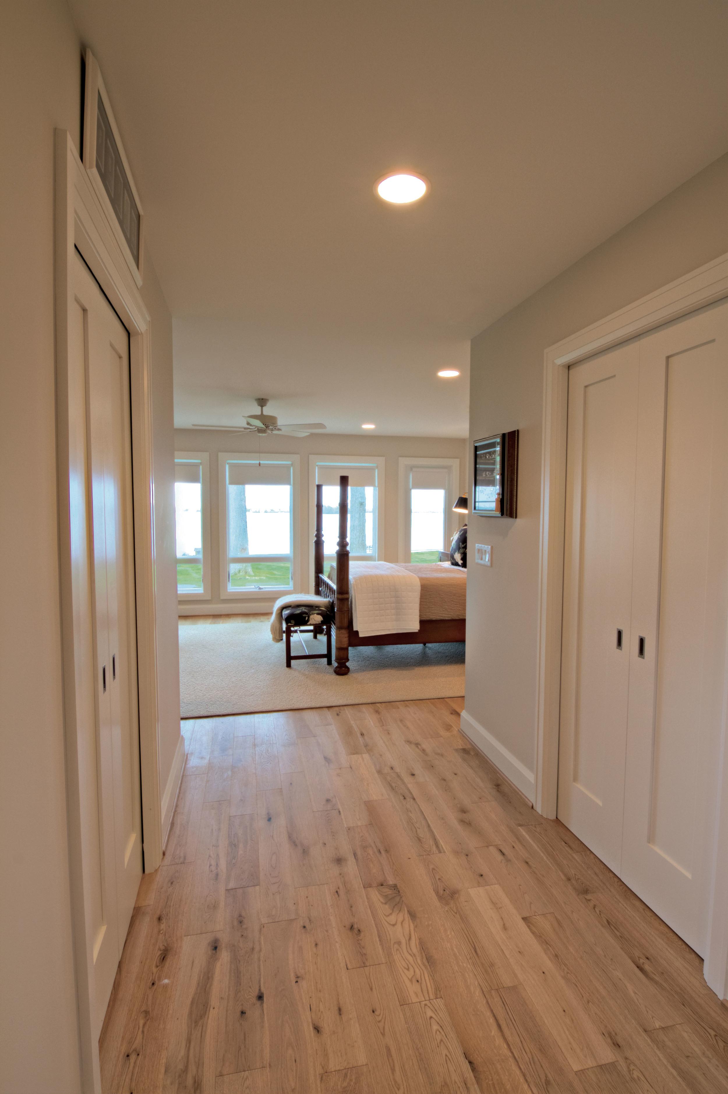 8_B north bedroom Hallway HDR.jpg