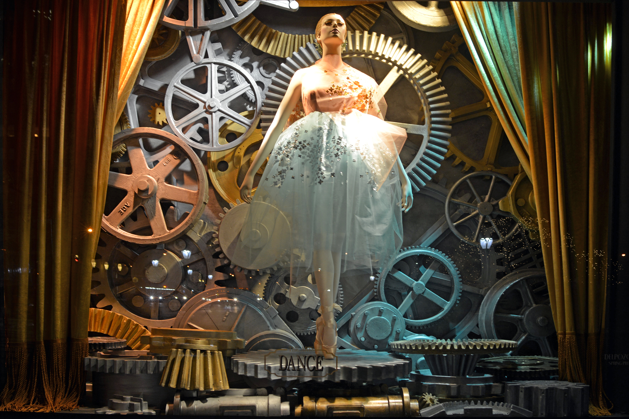 Bergdorf Goodman Window Display - Dance   | Lauren Caron © 2014