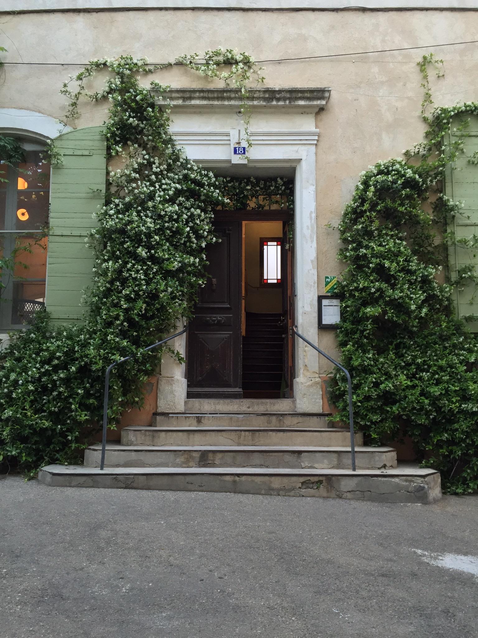 Hotel du Cloitre entrance