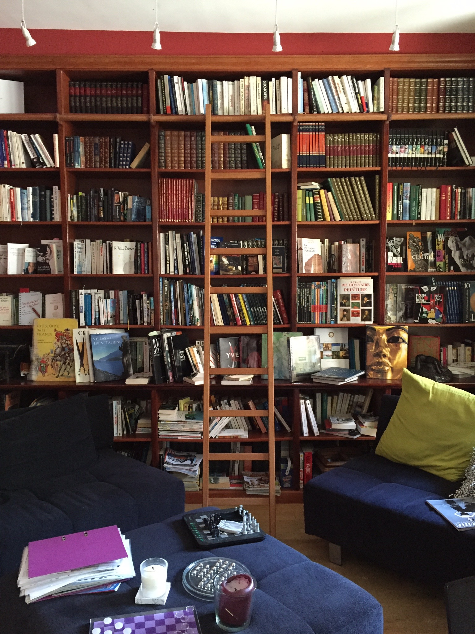 The library in the Hotel Ideal Sejour | Photograph by: Lauren L Caron 2015