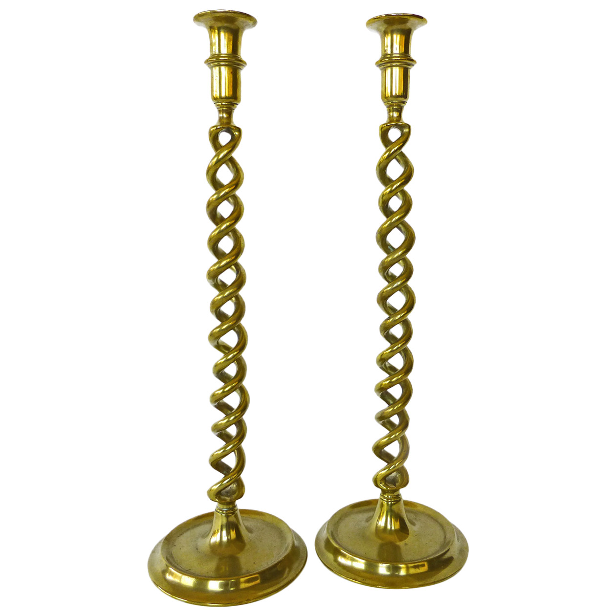 Pair of English Victorian Brass Double Twist Candlesticks, circa 1875