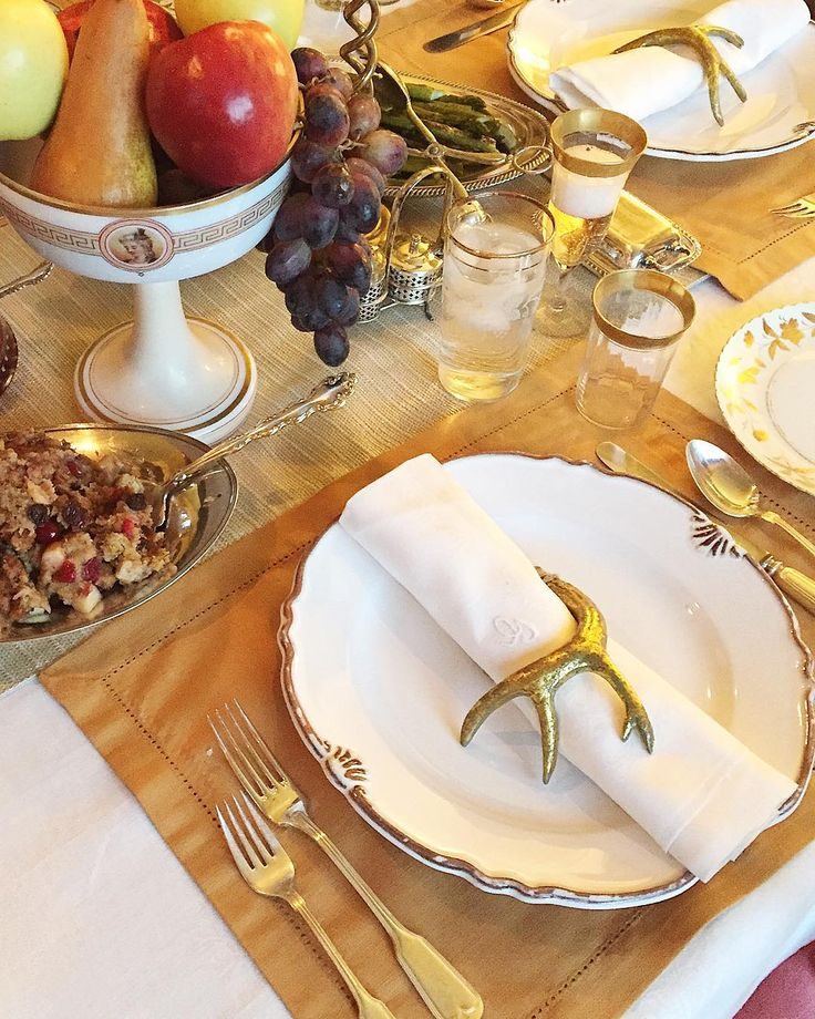 Thanksgiving Table | Photo by: Lauren L Caron © 2015