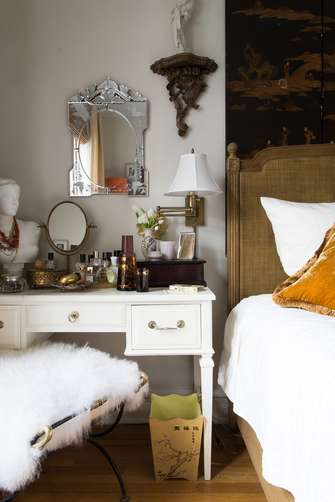 Bedroom Sconces | Image: Claire Esparros of Homepolish