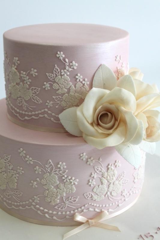 40-lace-wedding-cake-ideas-18.jpg