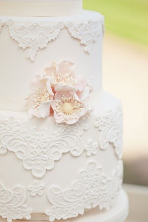 Wedding-cake-lace.jpg
