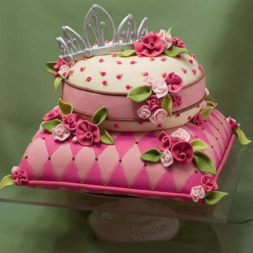 fancy-birthday-cakes-pink-pillow.jpg