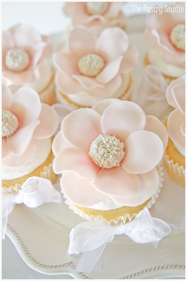 floral-pearl-centered-cupcakes.jpg