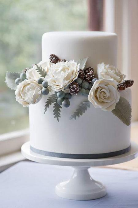 winter-wedding-cake.jpg