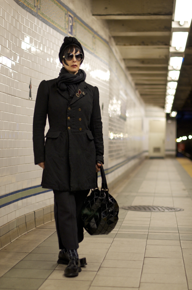 Lori-Goldstein-Prince-St-Station-An-Unknown-Quantity-Street-Style-Blog1.png