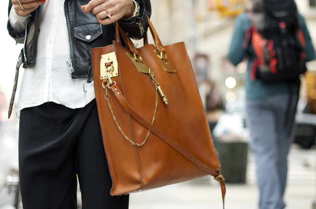 Anna-Karlin-Grand-St-An-Unknown-Quantity-Street-Style-Blog3.png