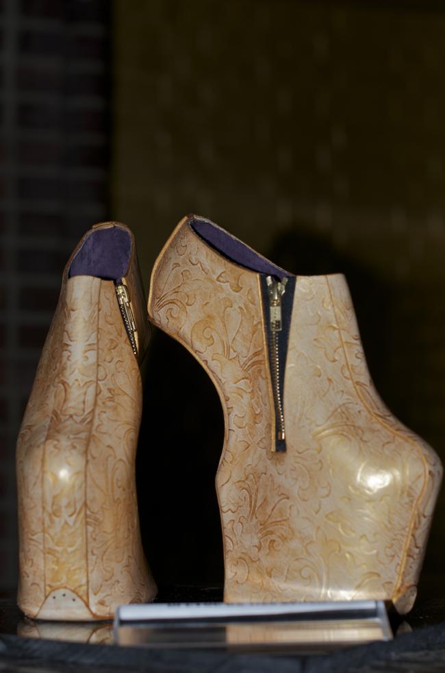 Noritaka-Tatehana-Leather-Japan-An-Unknown-Quantity-Street-Style-blog4.png