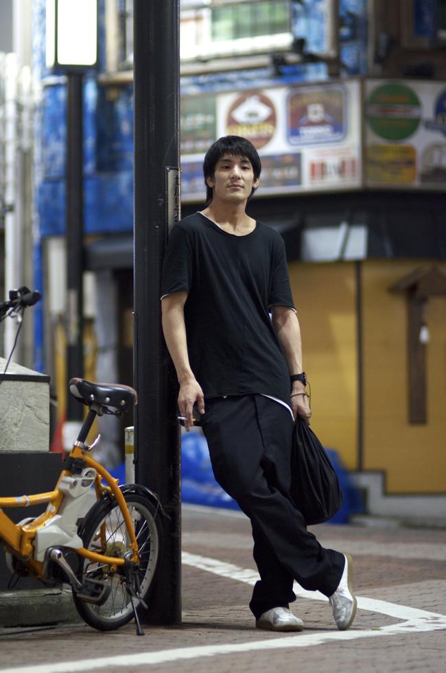 Daichi-Hirabayashi-Shibuya-Tokyo-An-Unknown-Quantity-New-York-Fashion-Street-Style-Blog1.png