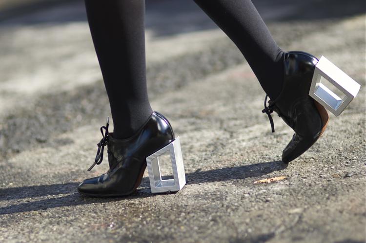 Nasiba+Adilova+Balenciaga+Derek+Lam+An+Unknown+Quantity+New+York+Fashion+Street+Style+blog.png