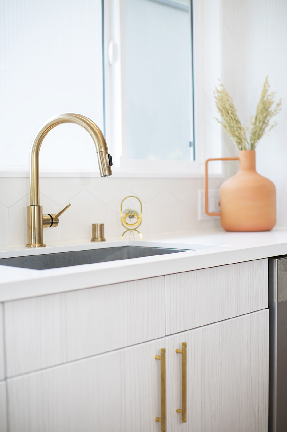 wake_loom_detail_sink.jpg