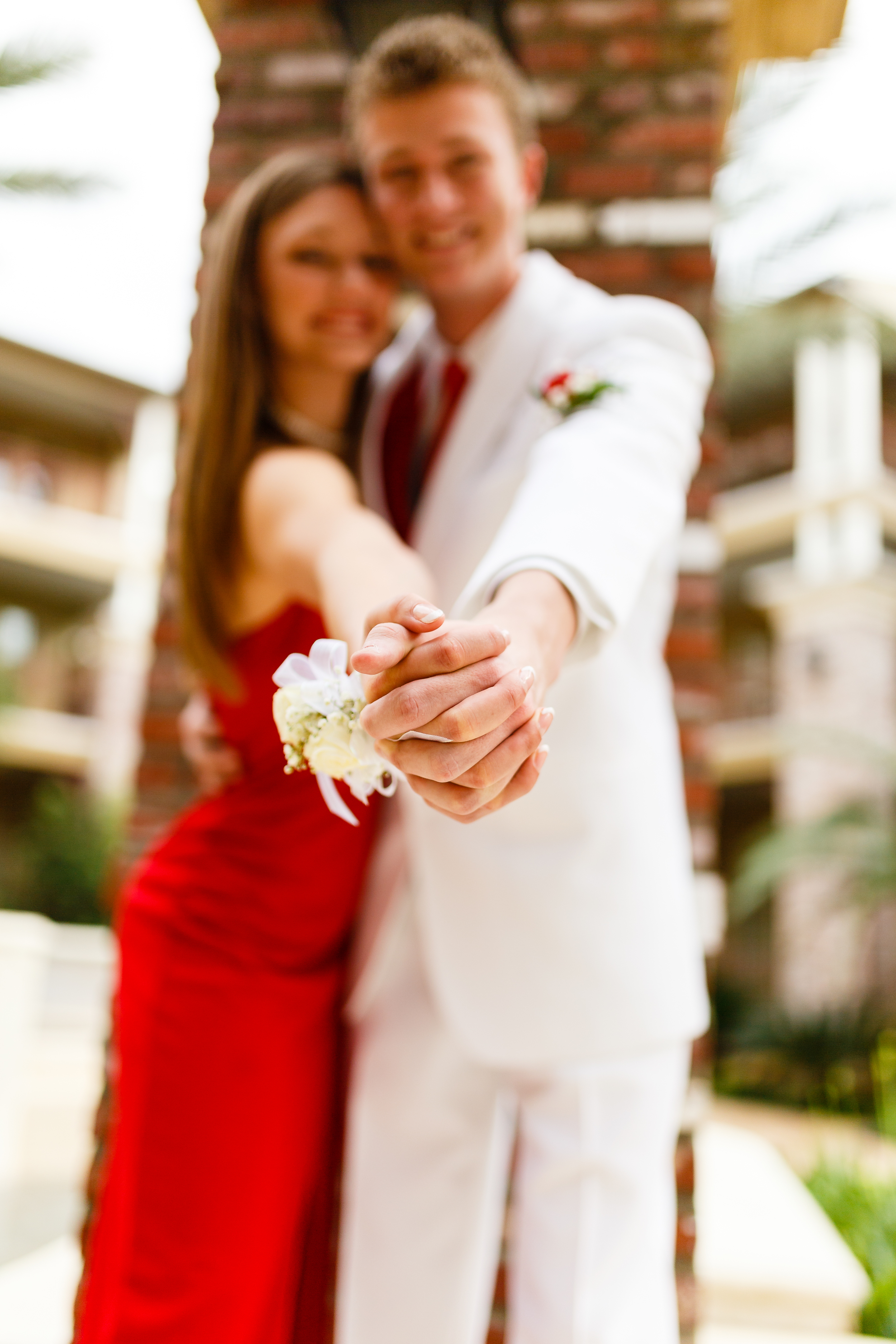 Prom Portrait at Carriage House Courtyard in River Ranch Lafayette