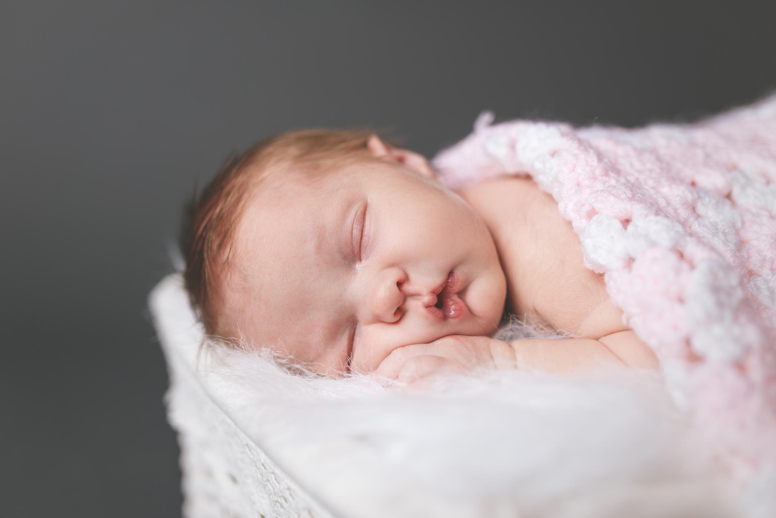 Newborn Photographer in Broussard