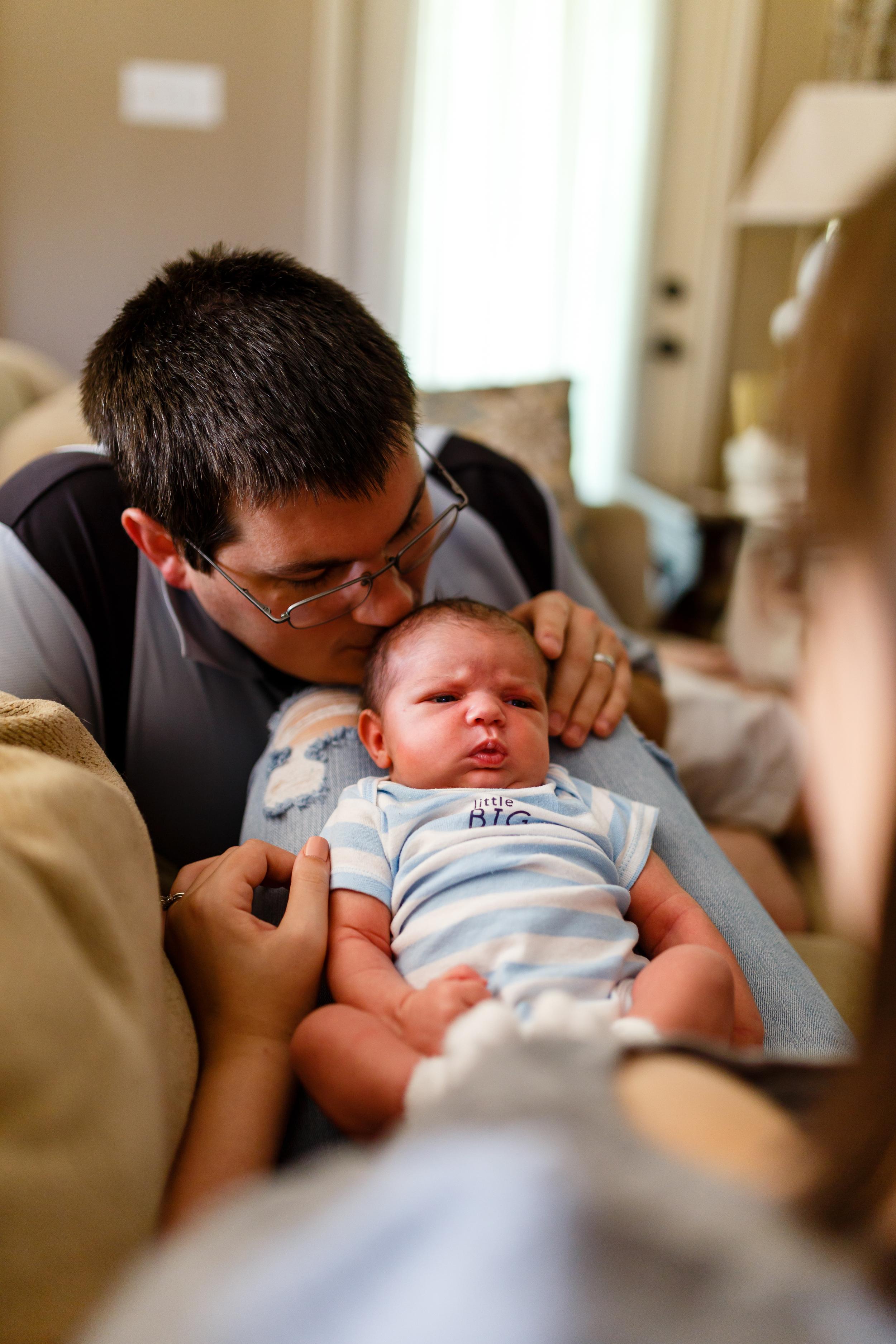 Newborn-baby-lifestyle-portrait-lafayette-broussard-youngsville-photographer-6.jpg
