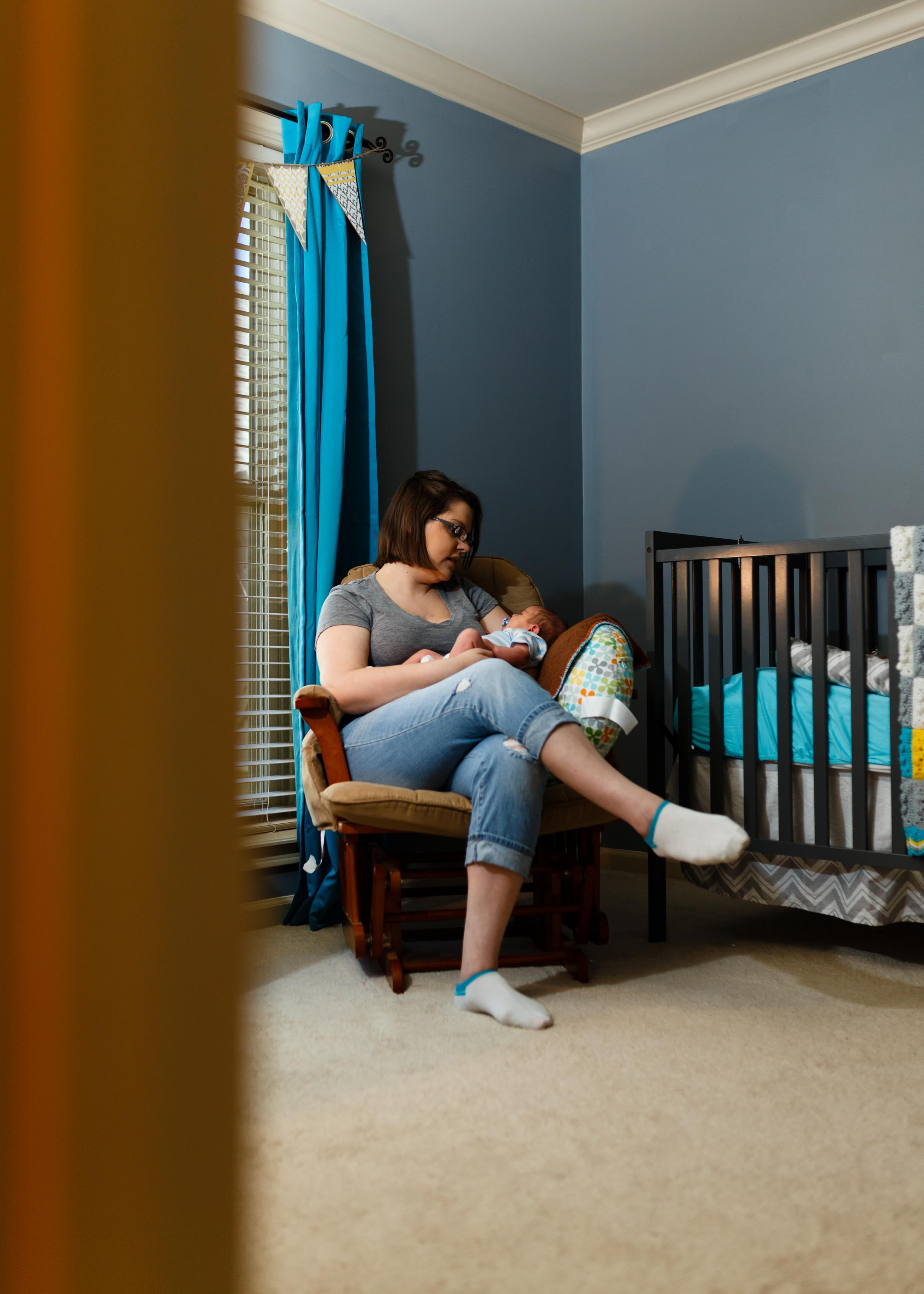 Newborn-baby-lifestyle-portrait-lafayette-broussard-youngsville-photographer-12.jpg