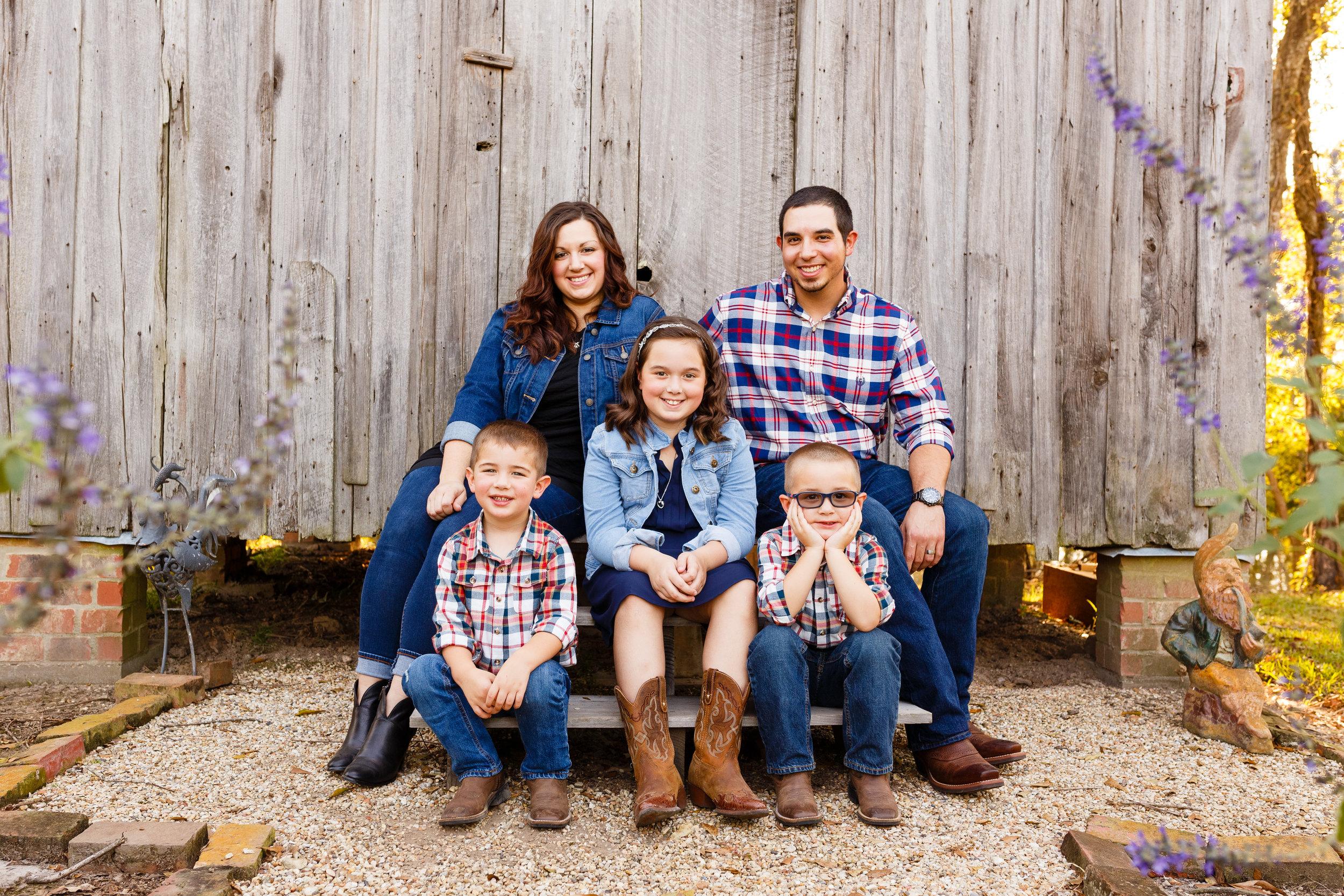 Family-child-portrait-lafayette-broussard-youngsville-photographer-3.jpg