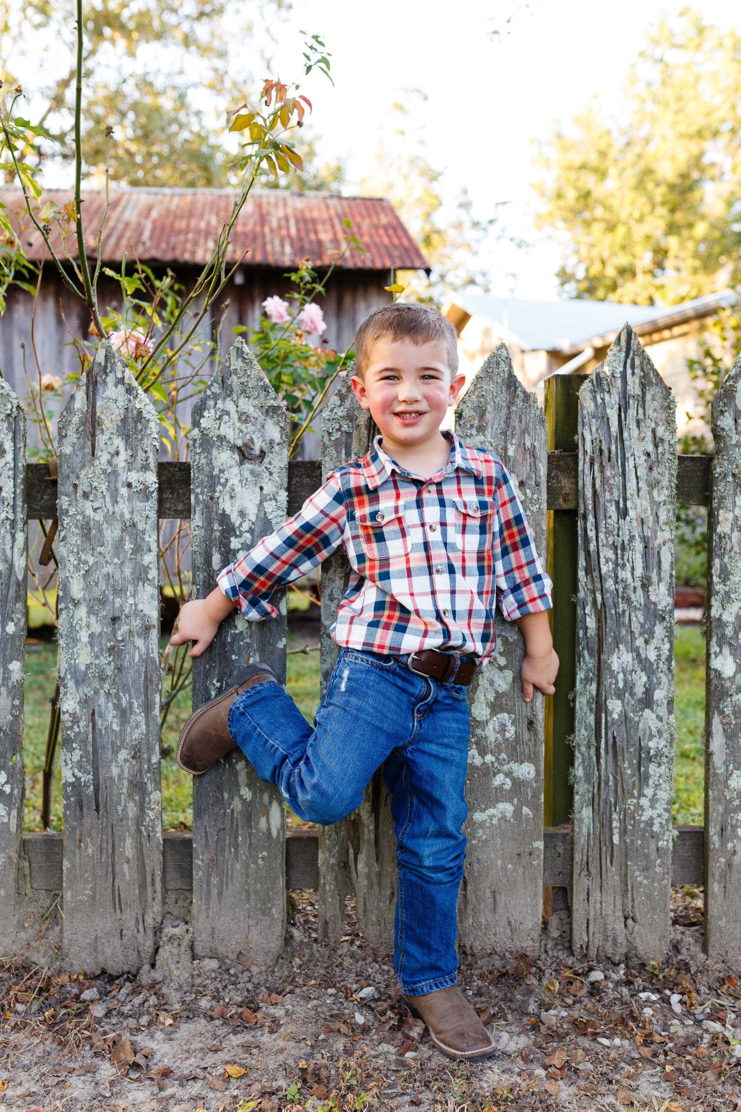 Family-child-portrait-lafayette-broussard-youngsville-photographer-25.jpg