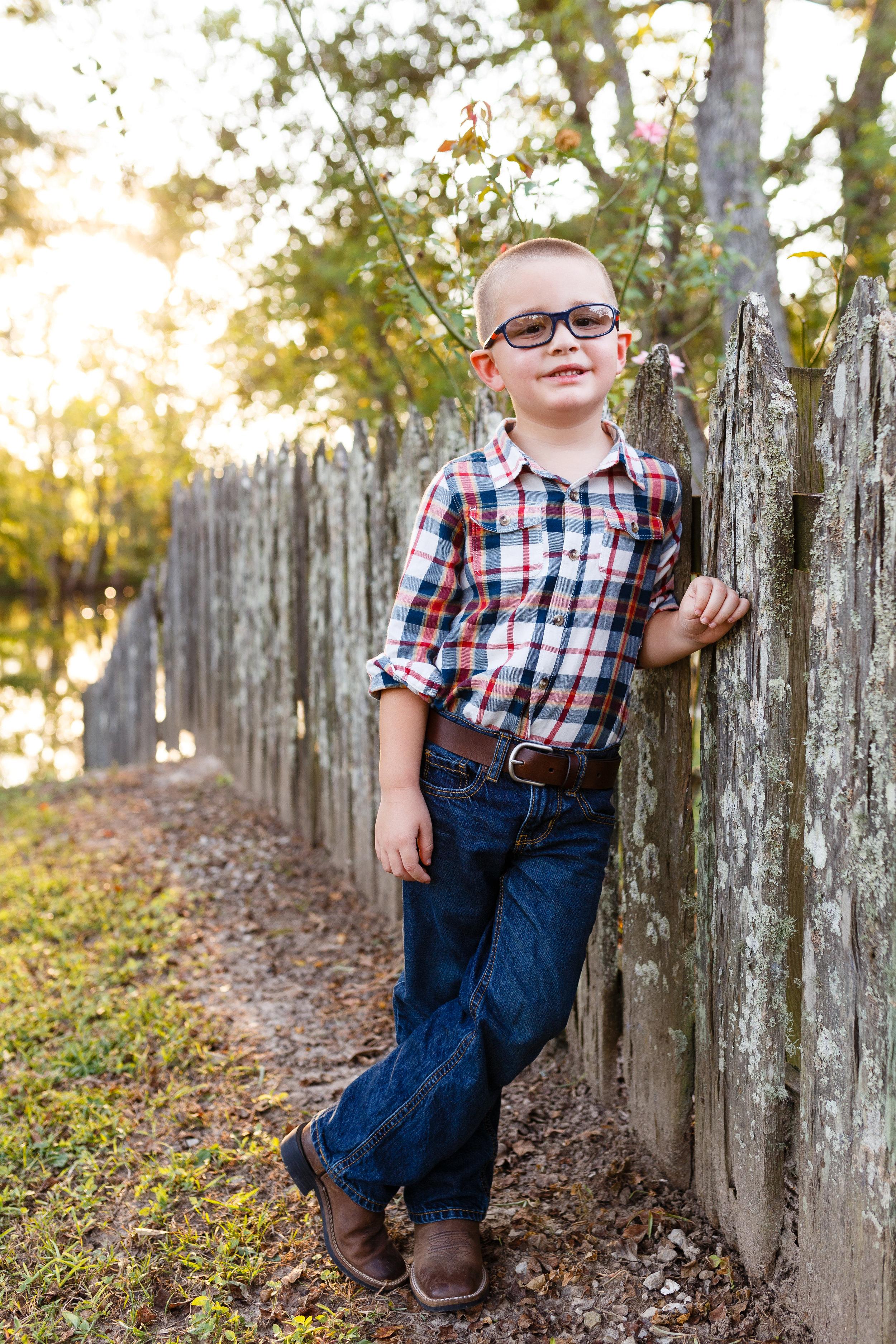 Family-child-portrait-lafayette-broussard-youngsville-photographer-26.jpg