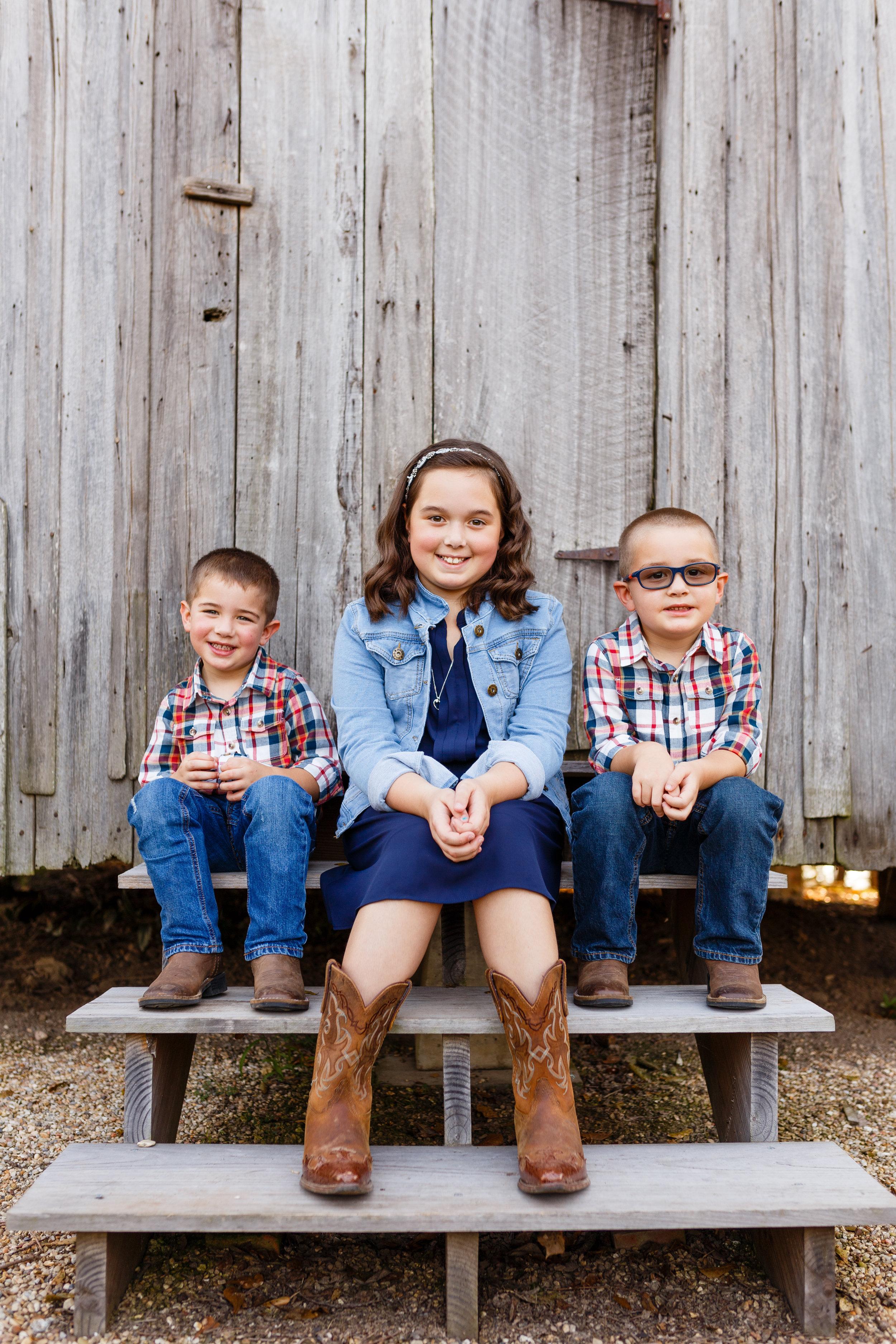 Youngsville-lafayette-portrait-family-wedding-photographer-7300.jpg