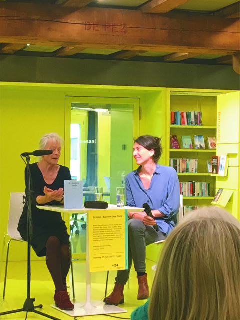 Autorin Betty Monnier und Moderatorin Anna Storchenegger (Foto: zvg.)