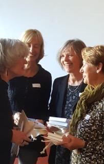Die Autorinnen an der Vernissage (Foto: zvg.)