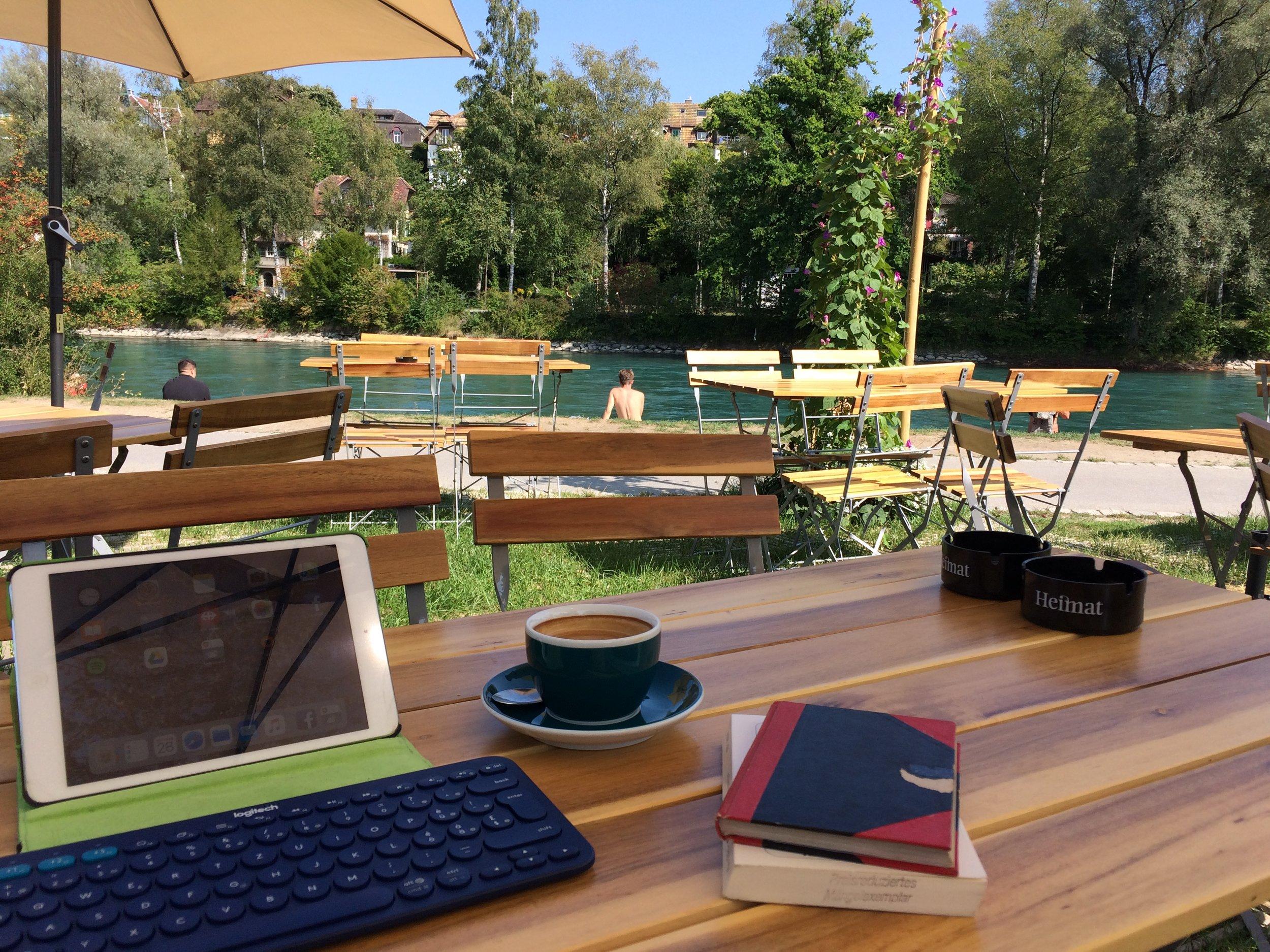 Die Aare Bar: Lieblingsschreibort der Autorin (Foto: zvg.)