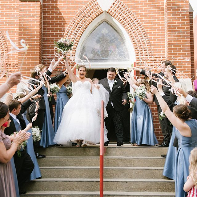 Laura + Jared exited their ceremony in such a unique way! I loved their personal touch to have a ribbon exit celebrating with their family + friends as they became one!! I'm sharing more of their day in my insta stories, stay tuned!  Loved getting to work with this team of vendors to help with their special day: @idobridalky @bridalmakeupbymaria @gaylacake @morgs_level @samiam_level @flowersandmoreeville @trentandkendra