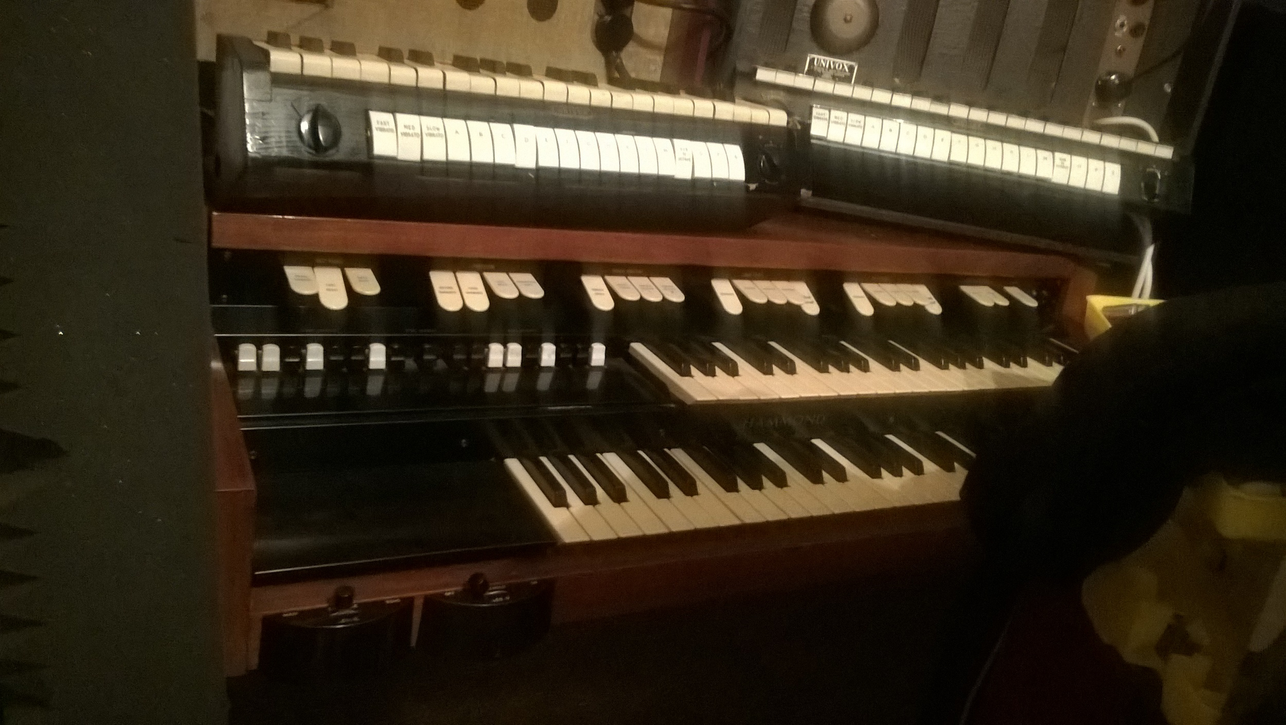 The Vintage Keys Hammond M102 (with two 1950s Jennings Univox J6s on top), reputed to have once been owned by the Beatles' Apple Studios in the early 1970s.