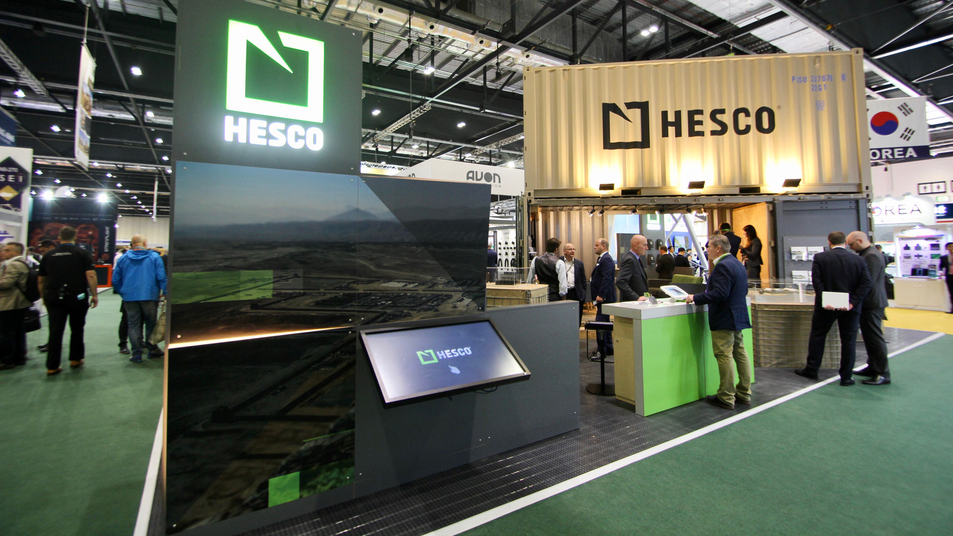 shipping_container_exhibition_stand_01.jpg
